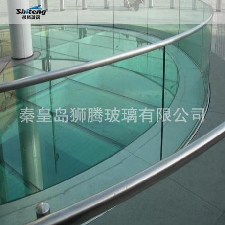 玻璃厂家批发商场连廊楼梯5+0.76+5精磨边打四孔双弯钢化夹胶玻璃