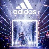 北京年会搭建公司-舞台背景板搭建-签到处搭建-灯光音响租赁公司
