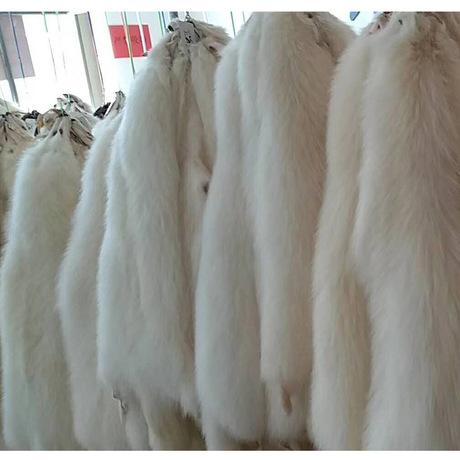 厂家批发皮草原料貉子皮毛白色整皮现货批发染色定做浣熊皮白貉子
