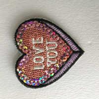 绣花工厂加工电脑刺绣定制LOGO徽章布贴绣字魔术贴定做补丁贴队标