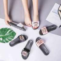 新款时尚百搭沙滩鞋夏季平底韩版一字拖外穿花朵厚底凉拖鞋女夏