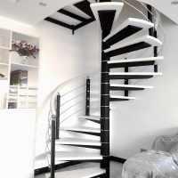 楼梯旋转跃层踏板定制楼梯铁艺整体实木家用楼梯复式室内阁楼扶手