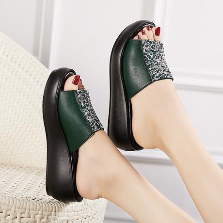 凉拖鞋女夏时尚外穿中跟妈妈拖鞋坡跟松糕厚底防滑女士一字拖